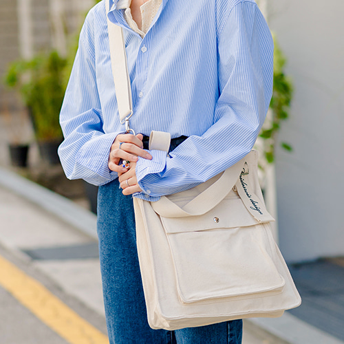 NEW AH CHOO SHOULDER BAG (IVORY)